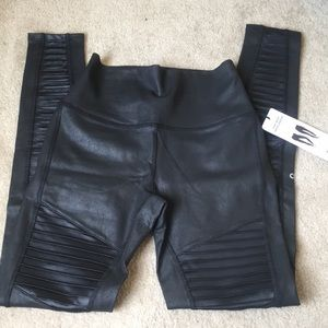 "Alo Yoga High Waist Moto Legging Black ""Leather"" M"